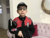 Yunus polislerinden küçük Erdem'e doğum günü sürprizi