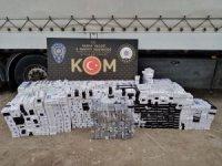 Tırdan 9 bin 900 paket kaçak sigara çıktı