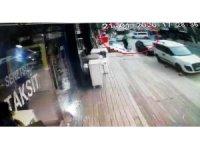 Hızla ilerleyen minibüsün, içi yolcu dolu İETT otobüsüyle kafa kafaya çarpıştığı kaza anı kamerada