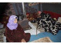 Engelli eşi ve kızlarıyla İdlib'den kaçan annenin dramı