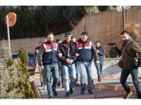 İki ildeki DEAŞ operasyonunda 3 gözaltı