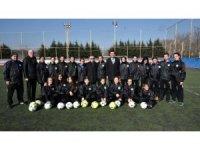 Başkan Sarıkurt'tan ÇBSK kadın futbol takımına destek