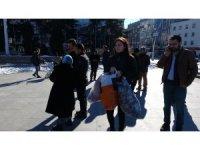 Vatandaşlar depremzedeler için seferber oldu