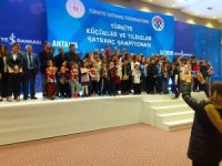 Mardinli Tuana Abak satranç şampiyonasında birinci oldu