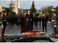 Cumhurbaşkanı Erdoğan Cezayir'de Şehitler Abidesi'ni ziyaret etti