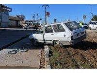 Otomobil yayaya çarptı: 1 ölü, 2 yaralı