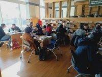 Halk kütüphanesi ara tatilde öğrencilerin uğrak mekânı oldu