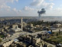 Esed rejimi İdlib'in en büyük ilçesinin merkezini kuşattı
