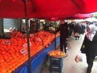 Zabıta'dan pazarlarda ürün künye denetlemesi
