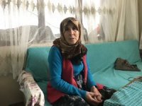 Bolu'da, yaşlı babaanne 10 yıldır torunlarına bakıyor
