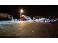 Gürün'de karda mahsur kalan 200 kişi ilçede misafir ediliyor