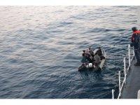 Enez ilçesi açıklarında 2 botta 40 düzensiz göçmen yakalandı