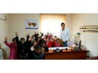 """Odyolog Karakaya: """"İşitme testini ihmal etmeyin"""""""