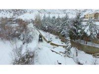 Erzincan'da kar ve tipiden 92 köy yolu kapandı
