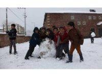 Erzincan Refahiye'de taşımalı eğitime kar tatili