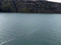 Depremin yüzey kırığının izi, Karakaya Baraj Gölü'nde görüldü