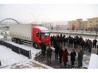 'Bizim de tuzumuz olsun' sloganıyla deprem bölgesine 10 ton yardım yola çıktı
