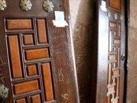 445 yıllık Selimiye Camii'nin kapılarına isimlerini yazdılar: Soruşturma açıldı