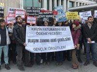 Öğrenciler İBB önünde ulaşım zammını protesto etti