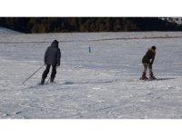 Yalnızçam Kayak Merkezi kayakseverlerin ilgi odağı oldu