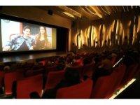 Sığınmacı kadınlar büyükşehir belediyesi sayesinde sinema keyfi yaşadı