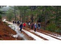 Sandıklı Doğa grubu Akdağ yürüyüşü gerçekleştirdi