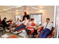 Vali Çiftçi'den 28. kan bağışı