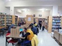 Kaymakam Dündar halk kütüphanesini ziyaret etti