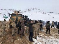 Vali Oktay Çağatay, operasyondaki jandarma birliklerini ziyaret etti