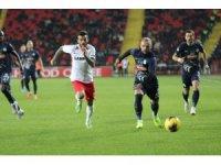 Süper Lig: Gaziantep FK: 0 - Çaykur Rizespor: 0 (İlk yarı)