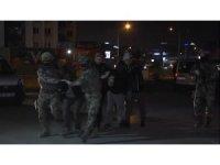Bursa'daki DEAŞ operasyonu saniye saniye kameraya yansıdı...