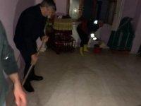 Evini su basan vatandaşın yardımına belediye başkanı koştu