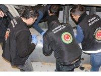 Gümrük Muhafaza ekipleri piyasa değeri 100 milyon liranın üzerinde olan uyuşturucu madde ele geçirdi