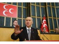 """MHP lideri Bahçeli, """"(Türkiye'nin çok cepheli, etkili ve yönlü bir mücadelenin ortasında olduğunu inkar etmek) Bu yalın gerçeği inkar etmek akıl fukaralığına, samimiyet yoksunluğuna açık bir işarettir"""" (1)"""