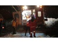 Ekipler 9 yaşındaki Bünyamin için seferber oldu, karlı yolları aştı