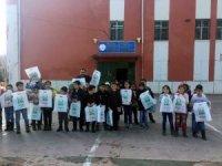 Boşatlılar Derneğinden köy okuluna kitap yardımı