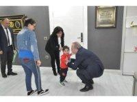 Yarım kalpli küçük Rüzgar'a Başkan Şahiner sahip çıktı