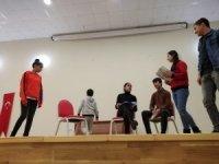Bitlis Belediyesi Tiyatro Ekibi çalışmalarını sürdürüyor