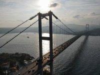 50 yıl önce yapımına karşı çıkılan Boğaziçi Köprüsü, trafik yoğunluğunu karşılamakta zorlanıyor