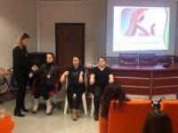 İzmit'te anne adaylarına gebelik eğitimi devam ediyor