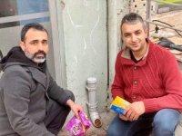 Siirt'te aç kalan hayvanlar için sokaklara yem bırakıldı
