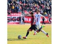 TFF 2. Lig: Uşakspor: 2-Van BBSK:1