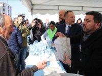 Nevşehir Belediye Başkanı Arı kazandığı tazminatlarla kavurma dağıttı