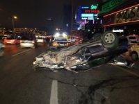 Kontrolden çıkan otomobil direğe çarpıp takla attı: 1 yaralı