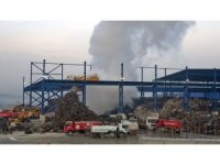 Bartın'da fabrikanın hurdalık deposundaki yangın kontrol altına alındı