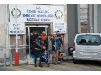 İzmir merkezli FETÖ operasyonunda 60 şüpheli adliyeye sevk edildi