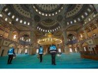 İpekyolu'nda camiler gül kokuyor