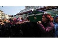 """Satırla öldürülen Ayşe Tuba Arslan'ın oğlu: """"Ne söyleyeceğimi bilmiyorum, ölen annem öldüren babam"""""""