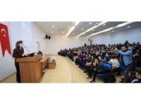 GAÜN'de 'İyi Aile Yoktur' konferansı