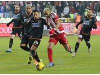 Süper Lig: D.G. Sivasspor: 1 - A. Alanyaspor: 0 (İlk yarı)